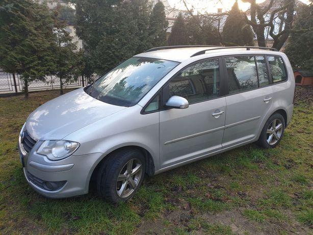 VW Touran 2008 zadbany, zdrowy, uszkodzony silnik