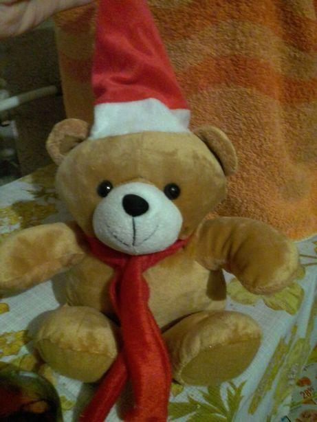 Праздничный медведь