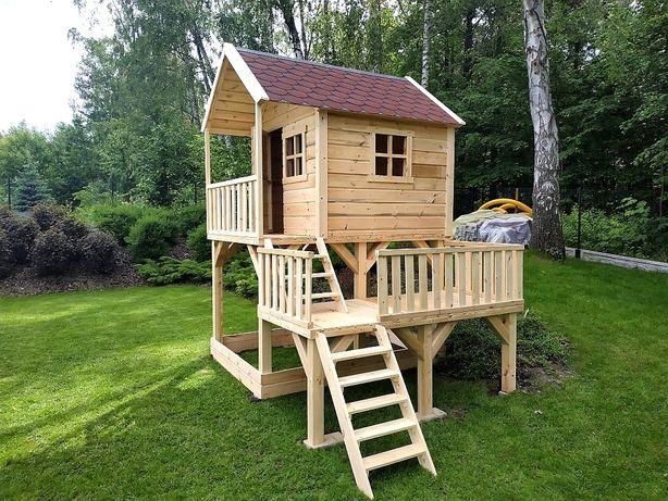 Drewniany domek dla dzieci, ogrodowy plac zabaw // Pępowo