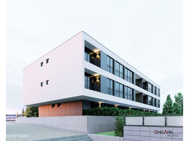 Apartamento T2 R/C com terraço