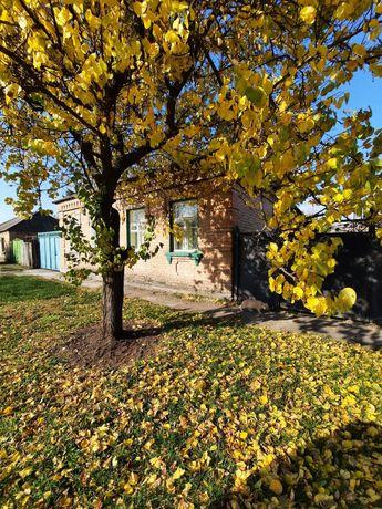 Продам пол дома  на Николаевке недалеко от Короленка