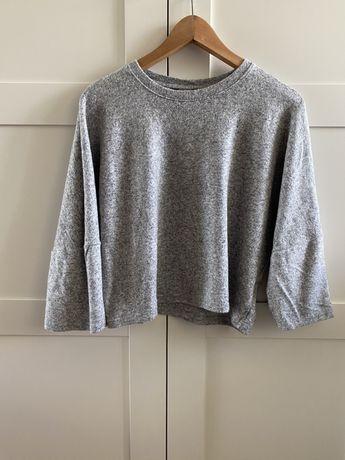 Krótki szary sweter Bershka