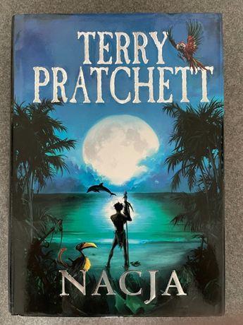 Terry Pratchett - Nacja + GRATIS   stan idealny