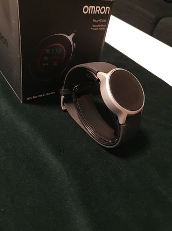 Smartwatch Omron HeartGuide ciśnieniomierz oscylometryczny