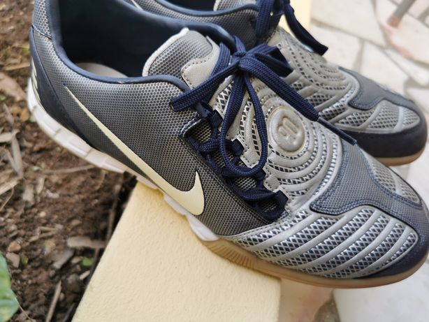 Sapatilhas Nike T90 Futsal