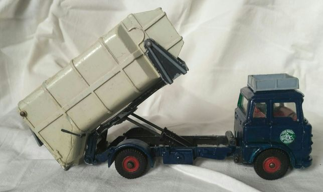 Dinky Toys No. 978 Ford C-800 . Мусоровоз.