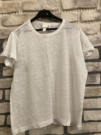 Biała koszulka z dodatkiem lnu.