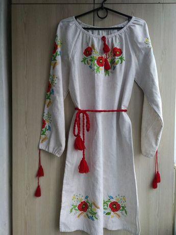 Вишита сукня, вишите плаття