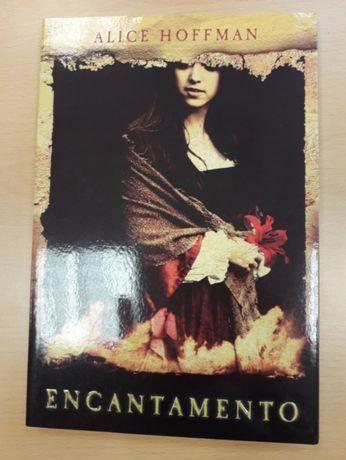 """Livro """"Encantamento"""" de Alice Hoffman"""