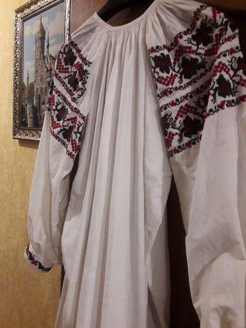 Старинная рубашка ручной работы вышитая крестиком с тонкого льна