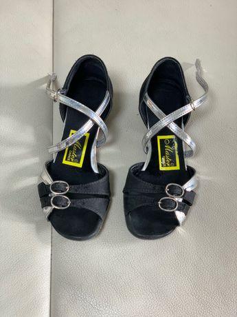 Танцевальные туфли 18,5 стелька