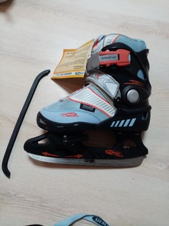 Продам коньки новые для катания на льду