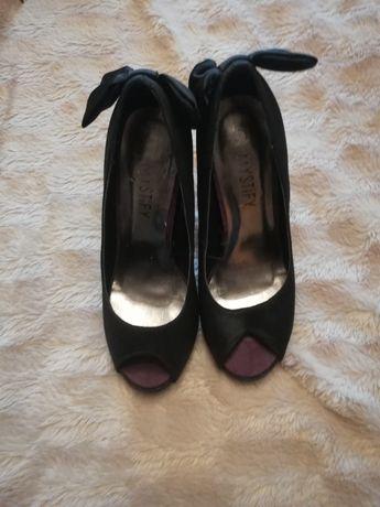 Czarne buty damskie szpilki