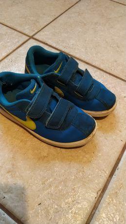 Buty chłopięce adidasy NIKE 30