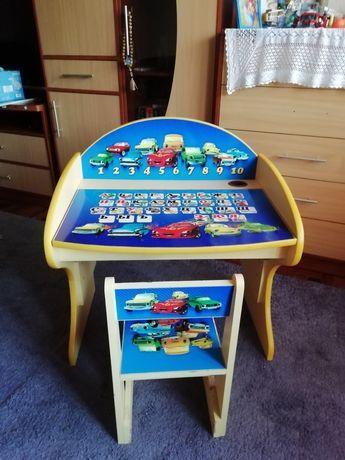 Продам детский столик со стульчиком.