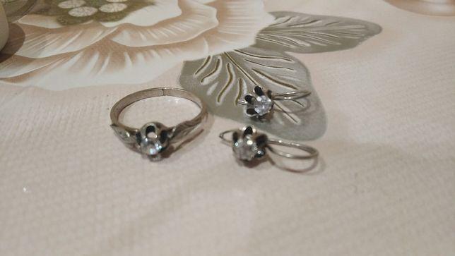 продам серебряные серьги и кольцо