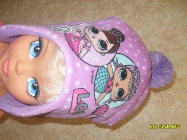 Шапочка для девочки с куколками LOL.