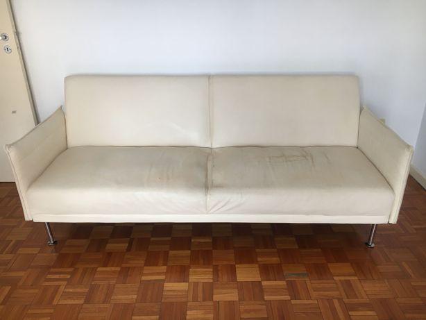 Sofá cama em polipele ( para estofar)