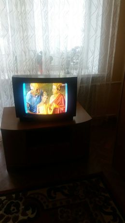 Телевизор в отличном состоянии,без дефектов