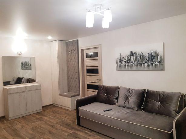 сдаю 2- комнатную квартиру -студию в центральной части города Николаев