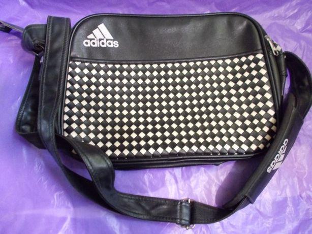 сумка на плечо -вместительная