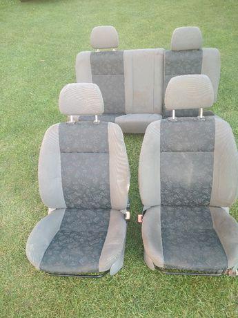 Komplet foteli przód + kanapa tył Skoda Felicia 1,3 MPI '98 HB