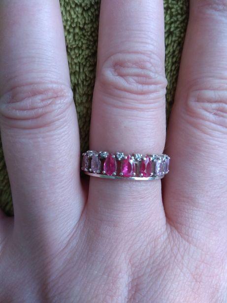 Кольцо срібло 925,каміння цирконій