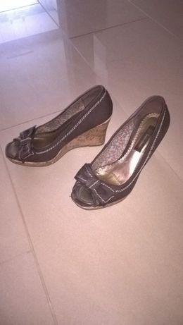 buty sandały na koturnie brązowe stan idealny rozm 37