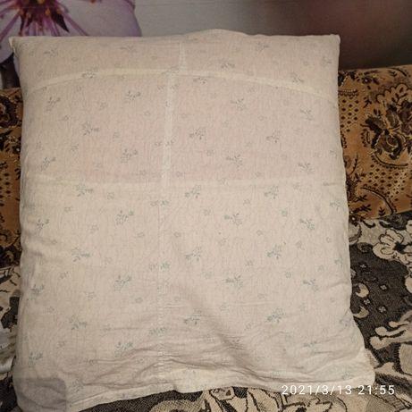 Продам пуховую перьевую подушку новую