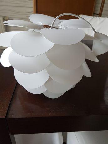 Lampa żyrandol biała