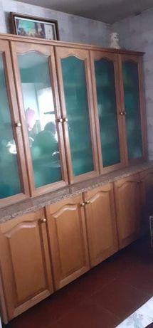 Movél em madeira para cozinha