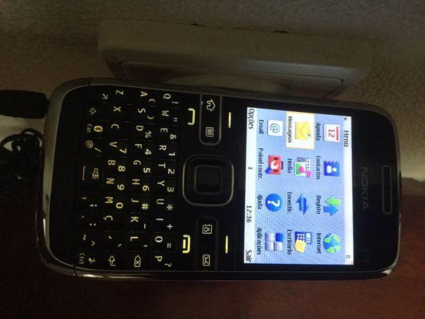 "Telemóvel ""Nokia"" E72"
