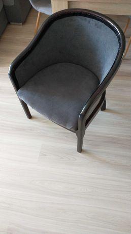 Fotel drewniany, tapicerowany