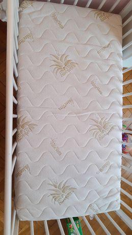 Materac lateksowy do łóżeczka 120x60 cm + GRATIS