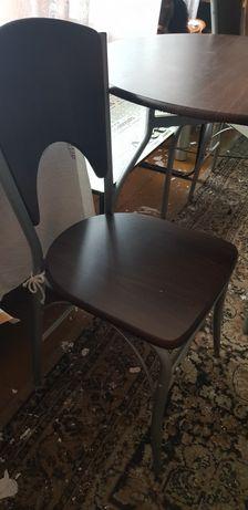 Stolik i 2 krzesla zestaw. Bardzo ladny
