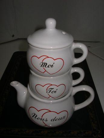 Conjunto de Chávenas e Bule - Dia dos Namorados