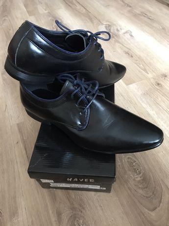 Nowe czarne buty eleganckie garniturowe 43 granatowe sznurowadła