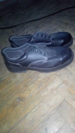 Ботинки новые 46 размер