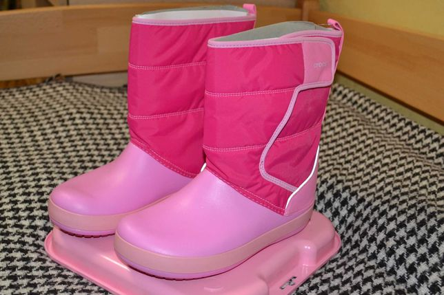 Сапоги Crocs Kids LodgePoint Snow Boot K 204660