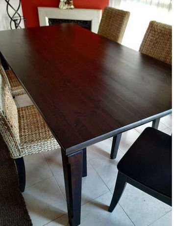 Mesa de jantar madeira castanho escuro (Ikea)