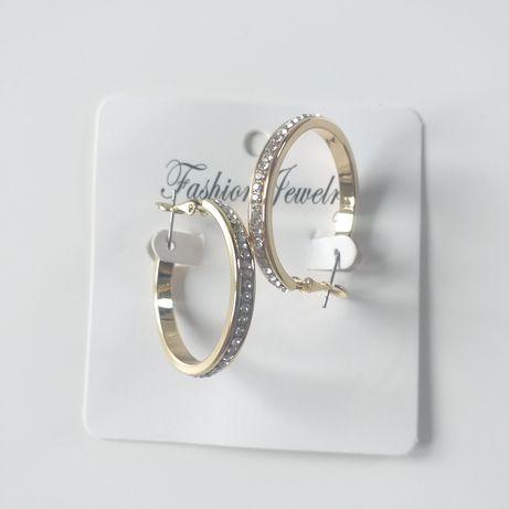 Kolczyki w kolorze złotym wysadzane kryształkami
