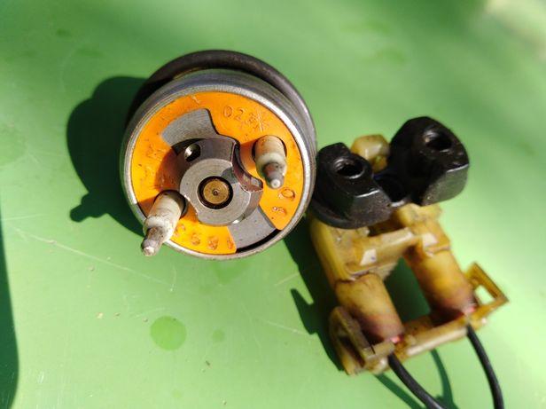 Wtryskiwacz benzyny do Forda fiesty 1.3 90rok