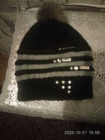 Продам женскую шапочку