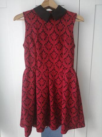 Czerwona sukienka z kolnierzykiem rozmiar S