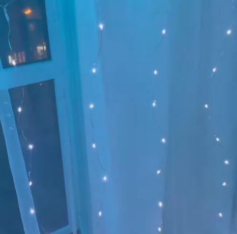 Гирлянда штора-Росса. 150 ламп Размер 1.5×1.5 м. 10 нитей по 15 ламп