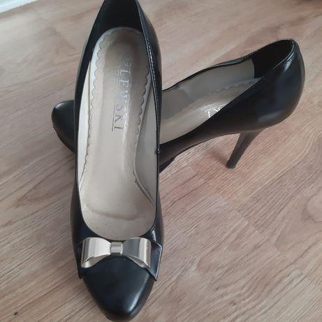 Buty skórzane jak nowe roz. 39