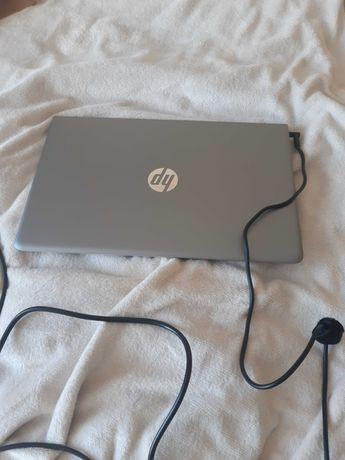 Laptop HP Pavilion 15-cc502nw jak nowy
