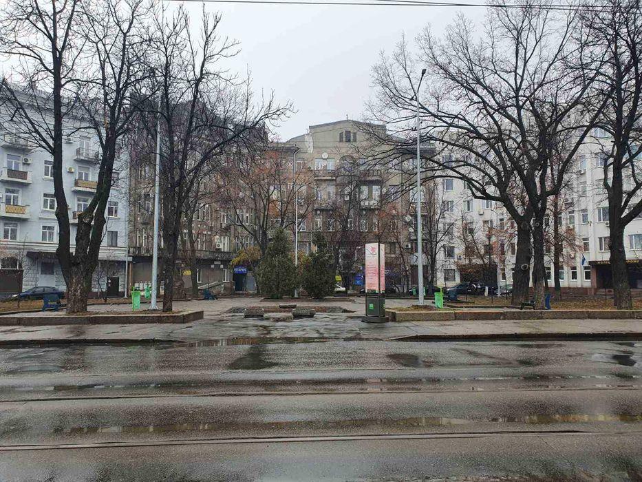 Сдам 1-комнатную квартиру между Центром и ЮЖД- 450 грн в сутки-1