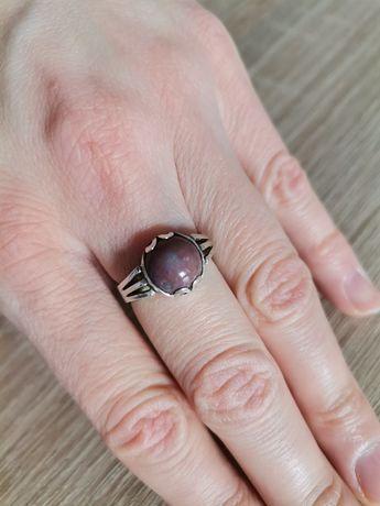 Warmet stary srebrny pierścionek z kamieniem Sygnowany jak nowy r. 13