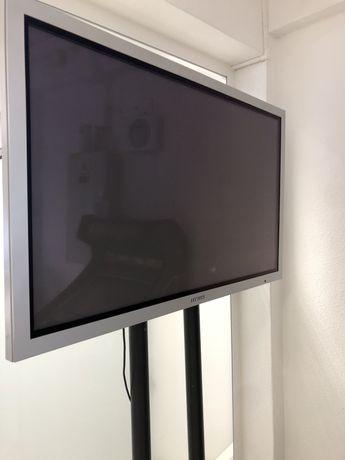 "Monitor SAMSUNG 60"" + Suporte de ferro"